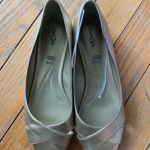 NWT East5th Open Toe Gold Wedge - 11